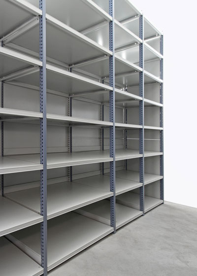 Light shelving meets internal or small organizational needs, for supplies like office needs, cleaning and other items.
